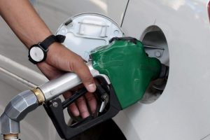 Fuel Price Hike: Petrol Price Touches New High, Breaches Rs 107 Per Litre Mark in Mumbai