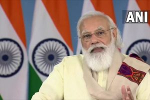 PM Narendra Modi Interacts with Healthcare Workers, COVID-19 Vaccine Beneficiaries in Himachal Pradesh