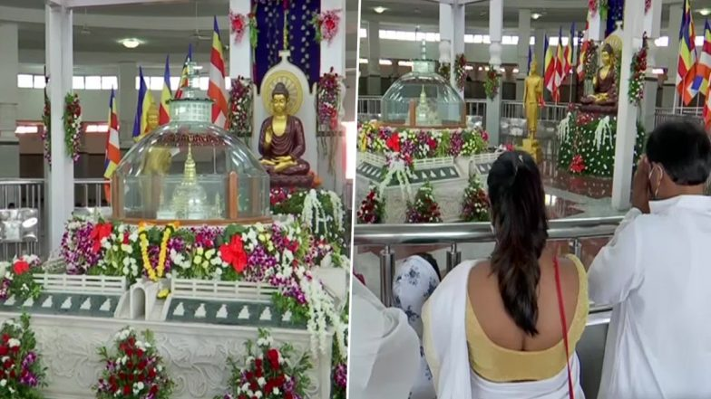Maharashtra: Devotees Offer Prayers at Deekshabhoomi in Nagpur On Occasion of Dhammachakra Pravartan Diwas 2021